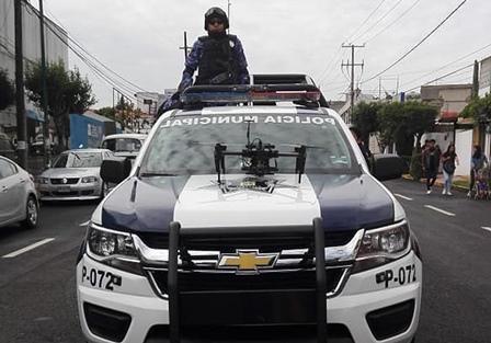 Participa policía capitalina en desfile de Independencia