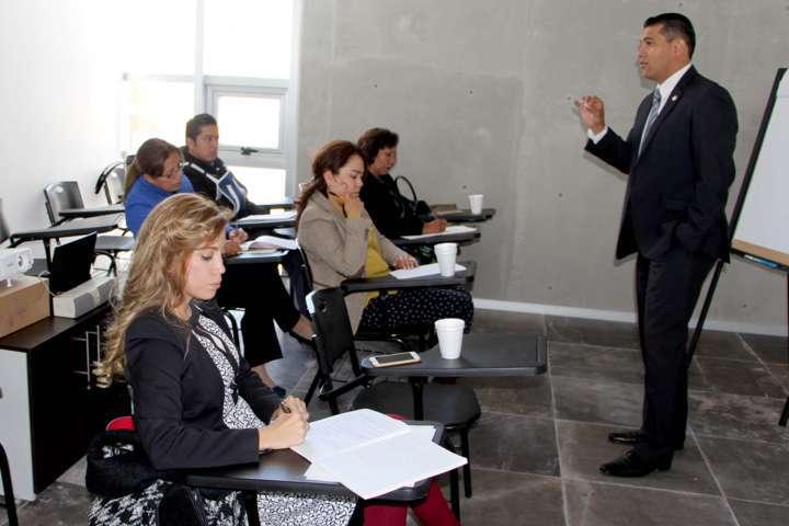 Prepara el TSJE a mediadores para resolver conflictos de manera amigable