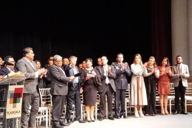 Tlaxcala capital reconoció a Porfirio Muñoz como huésped distinguido