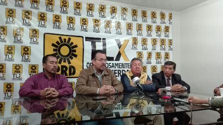 Sostienen reunión plana mayor del PRD y el gobernador Mena