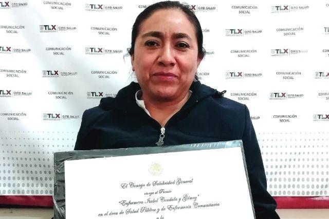 Enfermera de SESA recibe medalla al mérito Enfermera Isabel Cendala Y Gómez