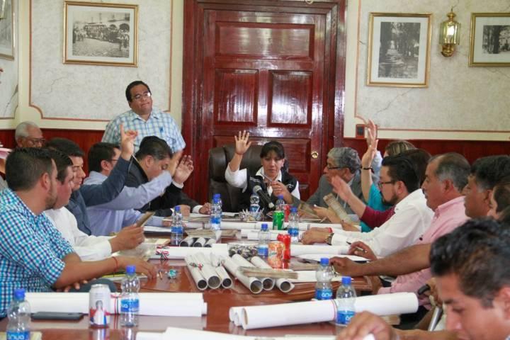 Respalda Cabildo capitalino entregar Presea Tlaxcala a la doctora Carmina Toriz