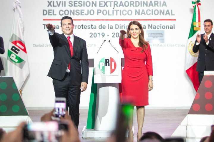 Rinde protesta Alejandro Moreno en CEN del PRI