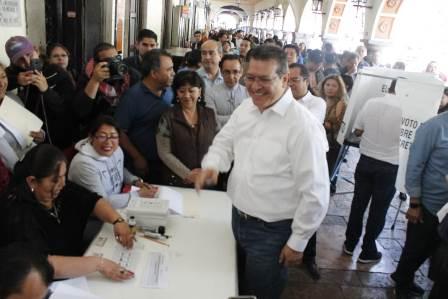 Mena confía que el PRI saldrá fortalecido, pese al panorama nacional