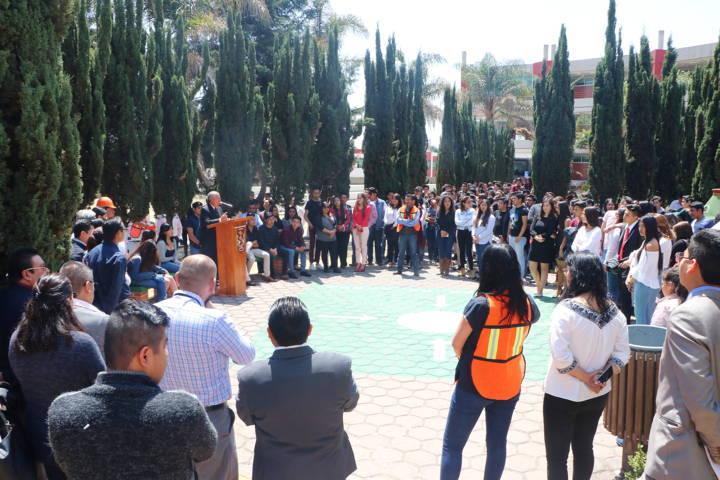 Fomenta la UATx cultura de protección civil entre sus estudiantes