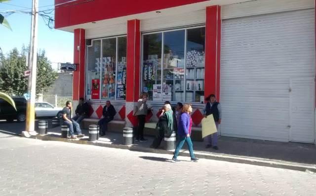 Vecinos de Tepetlapa toman instalaciones del DIF por inconformidad