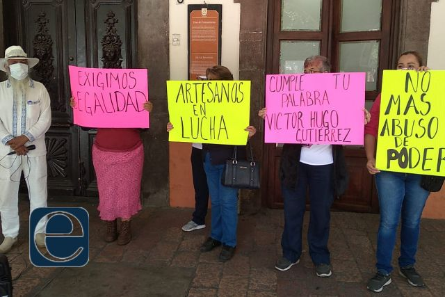 Artesanos piden que autoridades municipales les regresen sus pertenencias