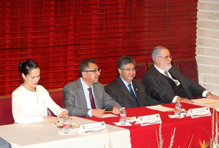 """Se dictó en la UAT la conferencia magistral: """"La Constitución de 1917 a 100 años"""""""