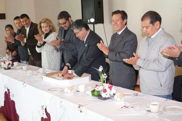 """Convive Rector con integrantes de la UAT con motivo del """"Día de Reyes"""""""