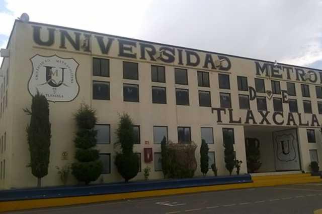 Los dejan fuera de la Universidad Metropolitana y piden ayuda