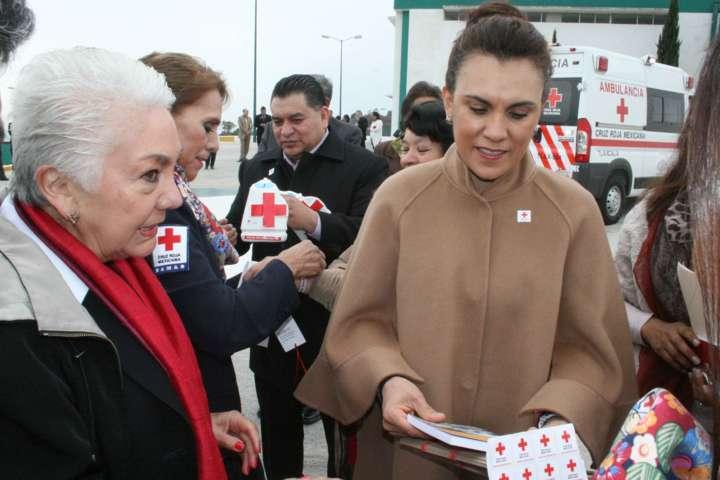 Llaman Eloy Reyes y Sandra Chávez a respaldar Colecta Anual de la Cruz Roja