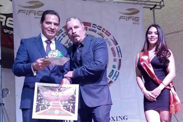 Consejo Mundial de Kick Boxing entrega reconocimiento a Luis Antonio Herrera
