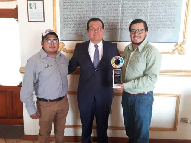 Alcalde reconoce a empresarios de Globo 3 Uno por su apoyo al turismo