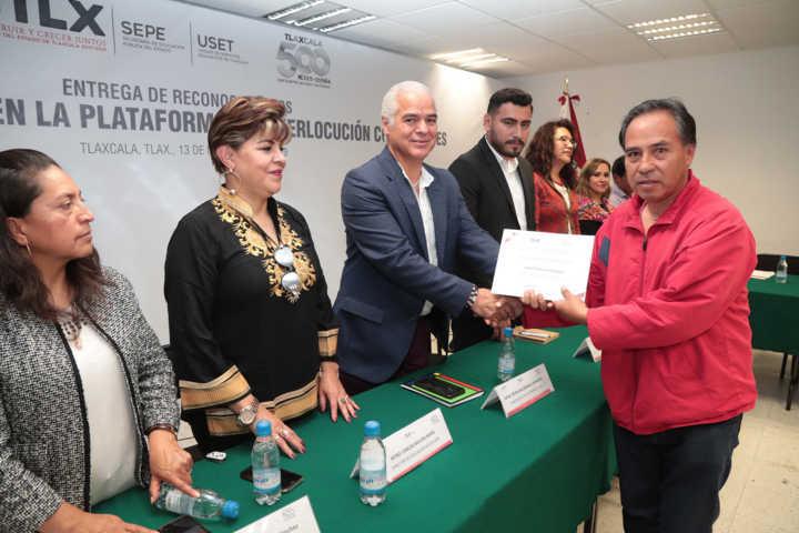 SEP y SEPE entregaron reconocimientos a 32 docentes de educación básica