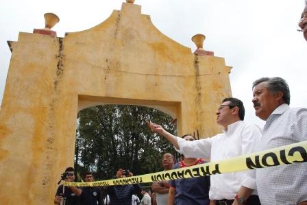 Recorre Marco Mena municipios afectados por el terremoto