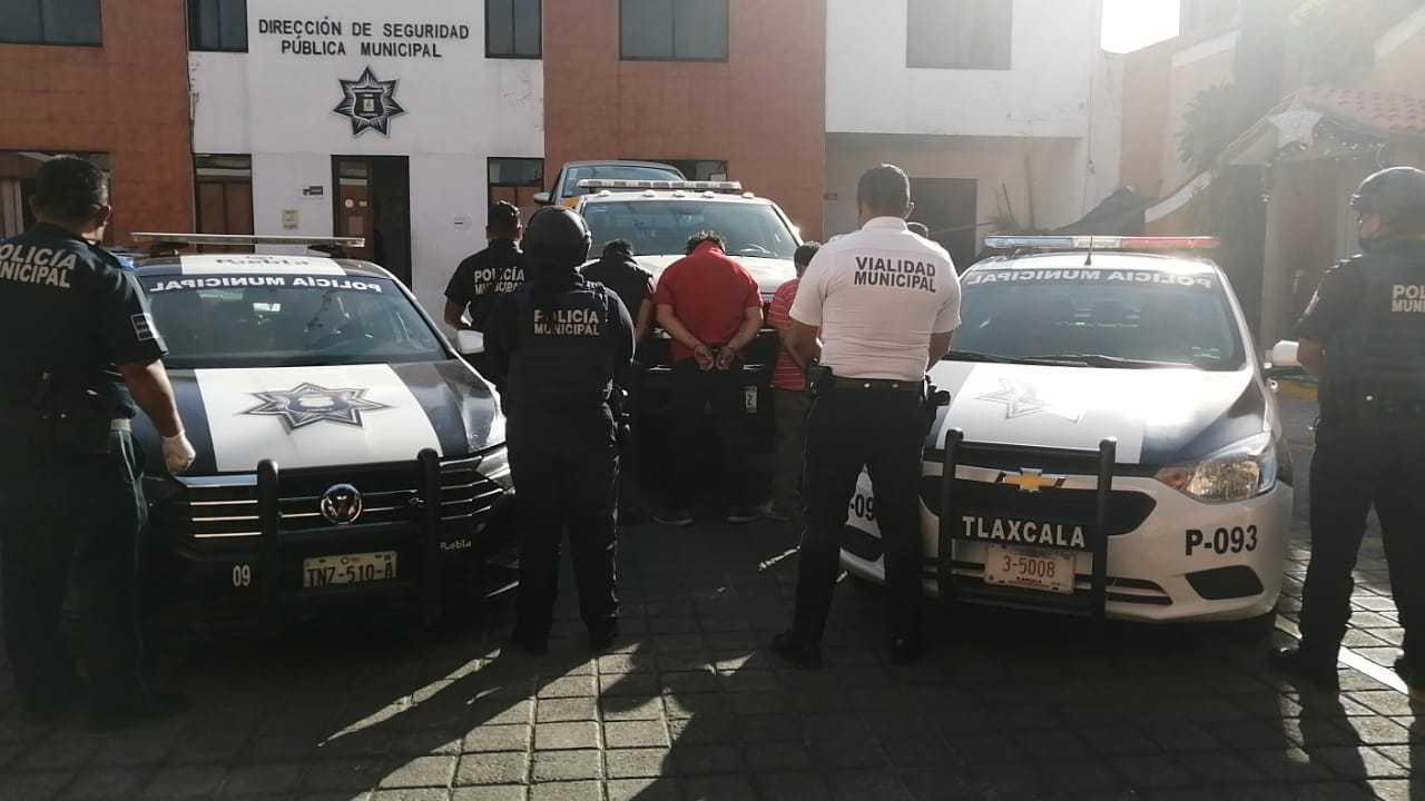 Recupera policía municipal de Tlaxcala vehículo robado en Puebla