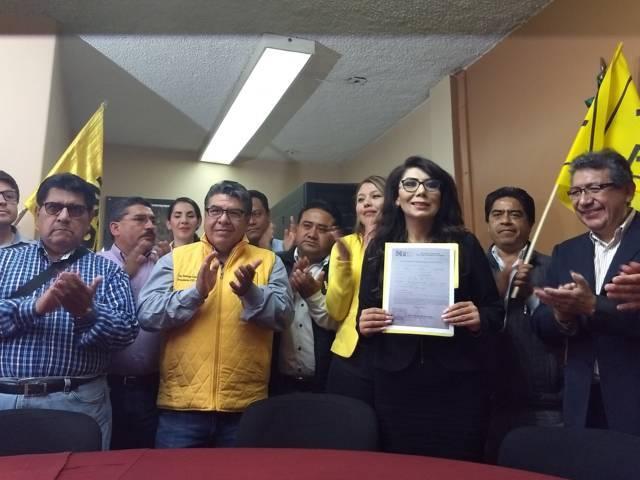 Protocoliza Alejandra Ramírez Ortiz candidatura ante junta Distrial 02 del INE