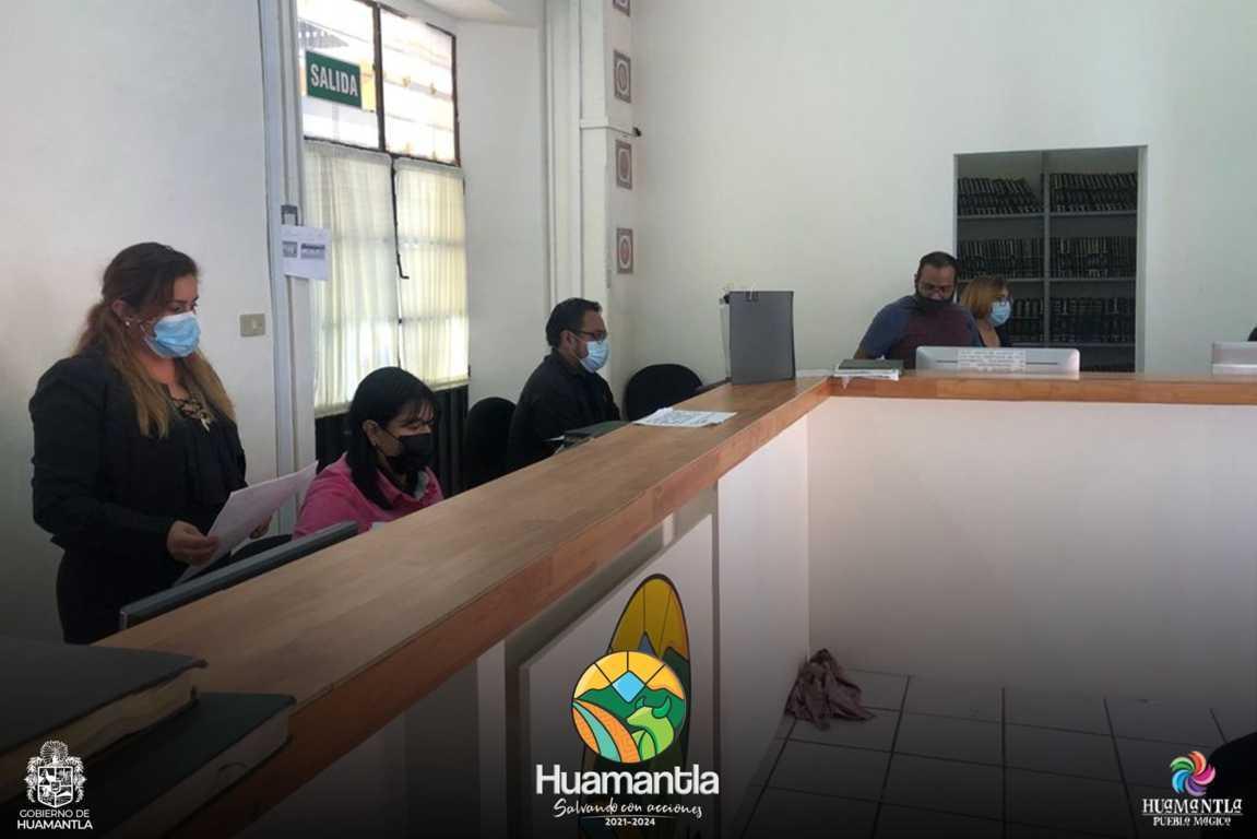 Regresan las oficinas del registro civil a la casa de los huamantlecos.