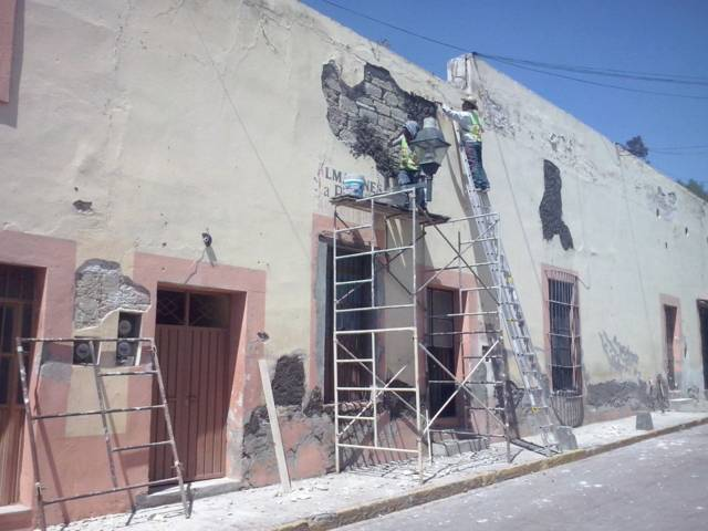 Rehabilita ayuntamiento de Tlaxcala fachadas en El Chapitel