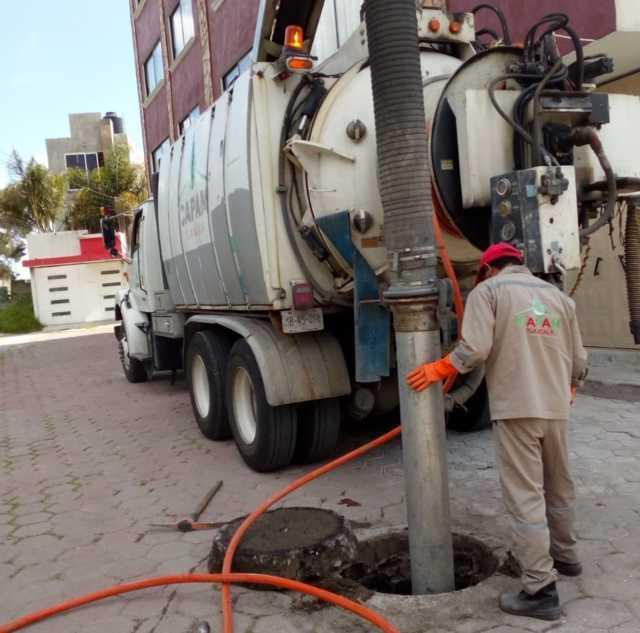 Repara Capam fuga de agua potable en Loma Bonita