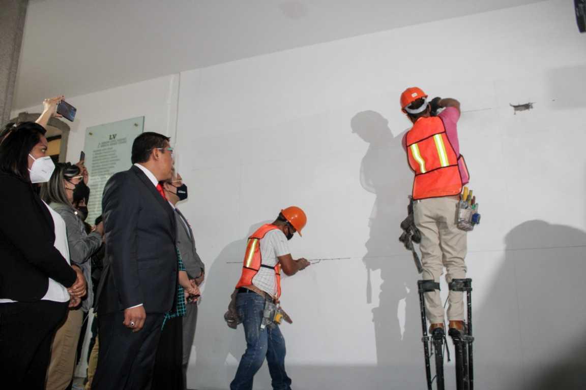 Congreso de puertas abiertas, diputados retiran paredes que dividían accesos