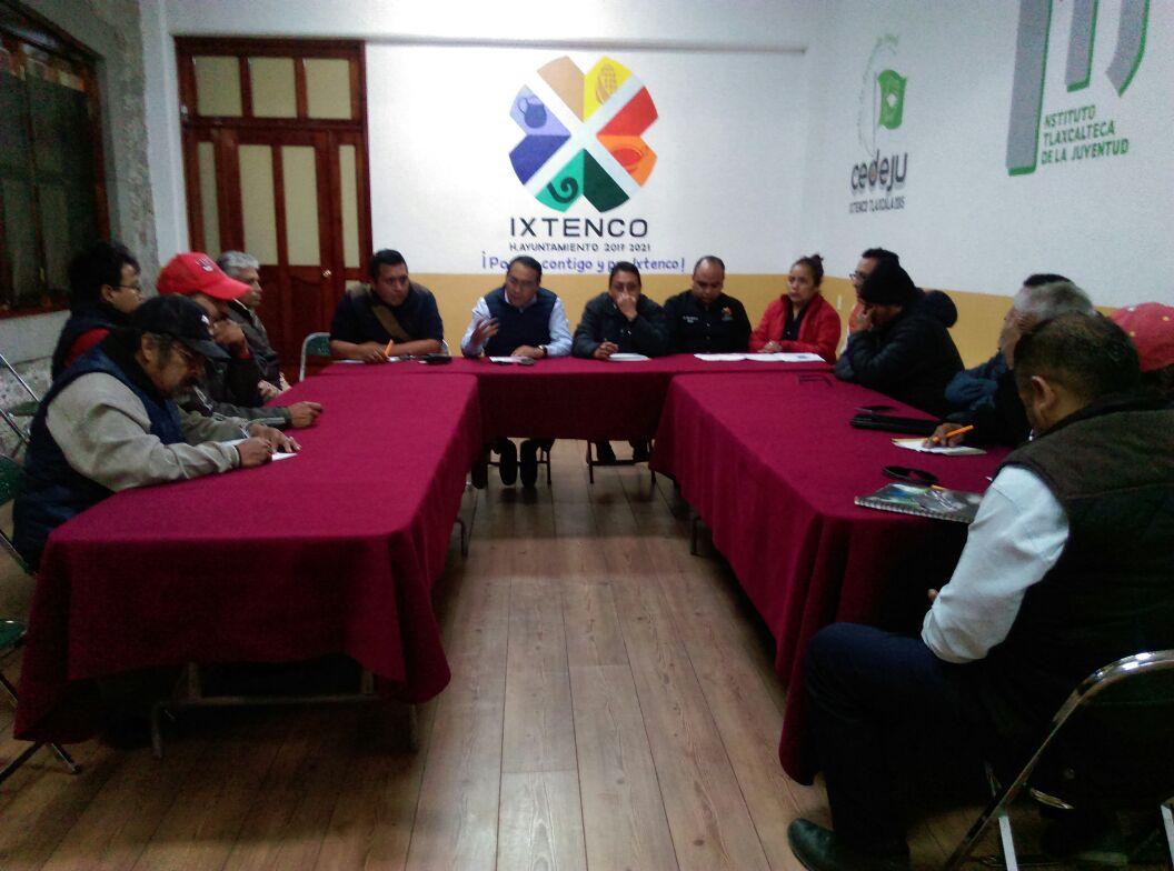 Sostiene alcalde de Ixtenco, reunión con transportistas: Prevén nuevas paradas de colectivas