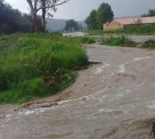 Se desborda río en Tezoquipan que pasa por Panotla