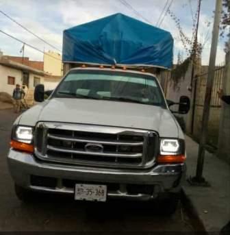 Amantes de lo ajeno se llevan camioneta en Tlaltelulco