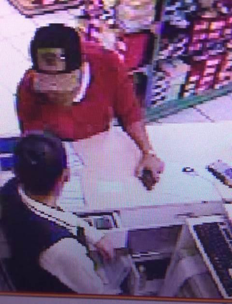 Sujetos armados roban dinero en Coppel de Chiautempan