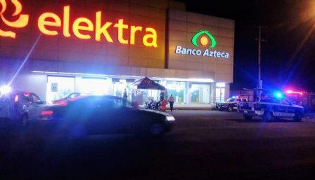 Sujetos armados atracan Elektra en Chiautempan y escapan