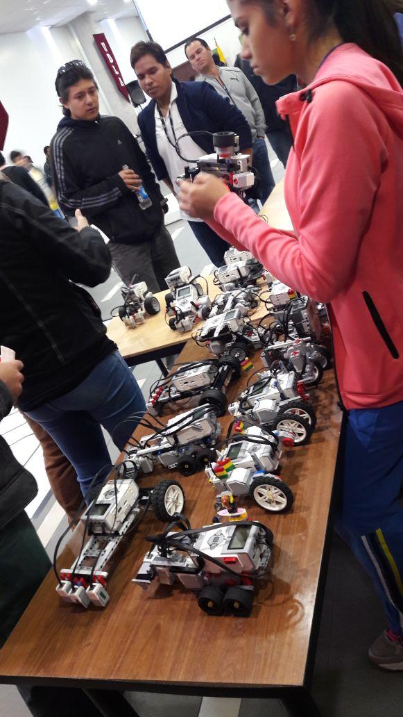 Destacan alumnos tlaxcaltecas en concurso internacional de robótica