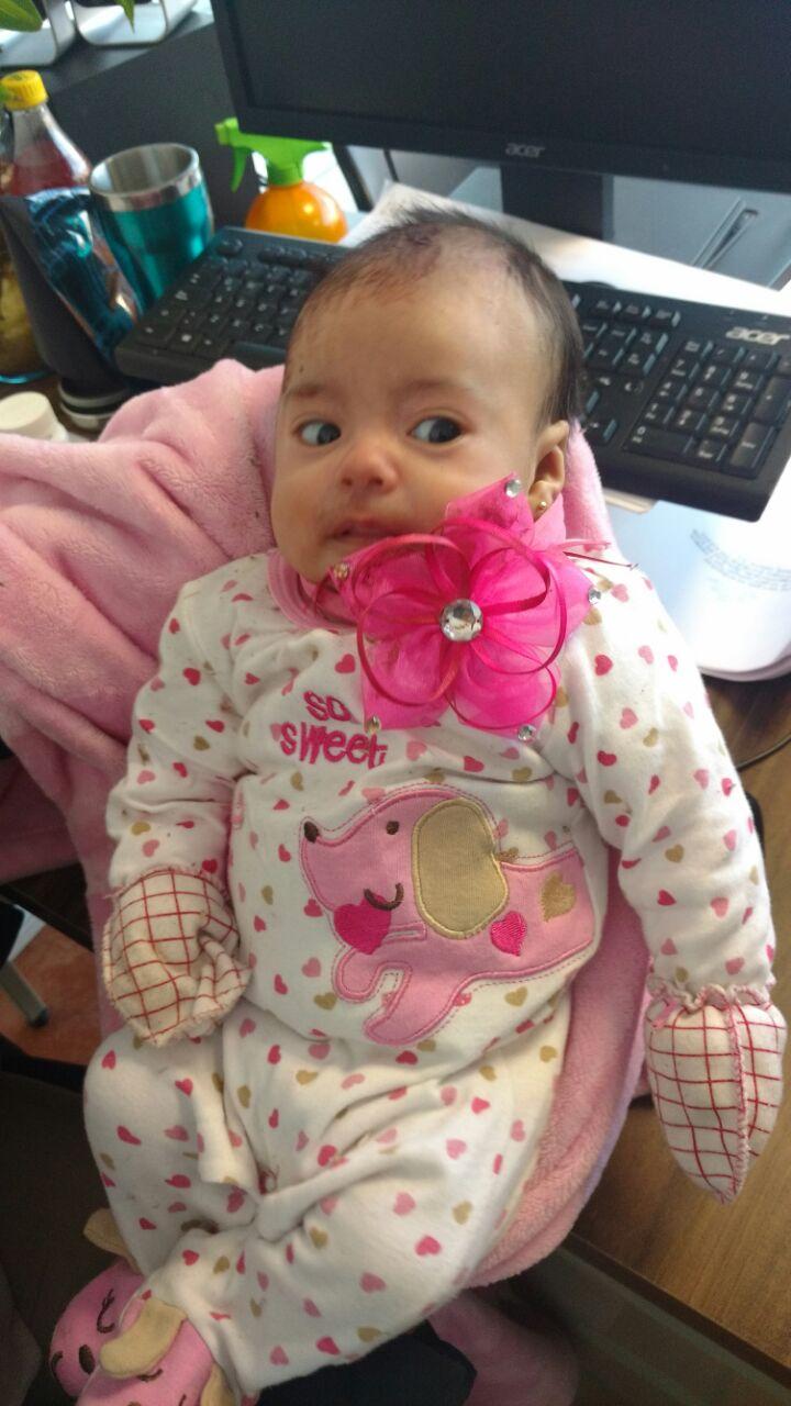 Encuentran a una bebé en la carretera México-Querétaro