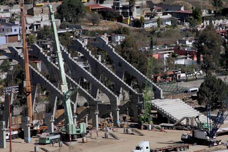 Colocación de gradas avanza en el Estadio Tlahuicole: Secoduvi