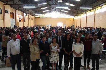 Entregan útiles escolares gratuitos en Santa Cruz Tlaxcala