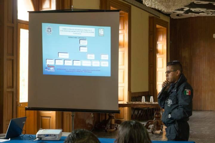 Jóvenes becarios de FORTASEG 2017 realizan demostración y avances