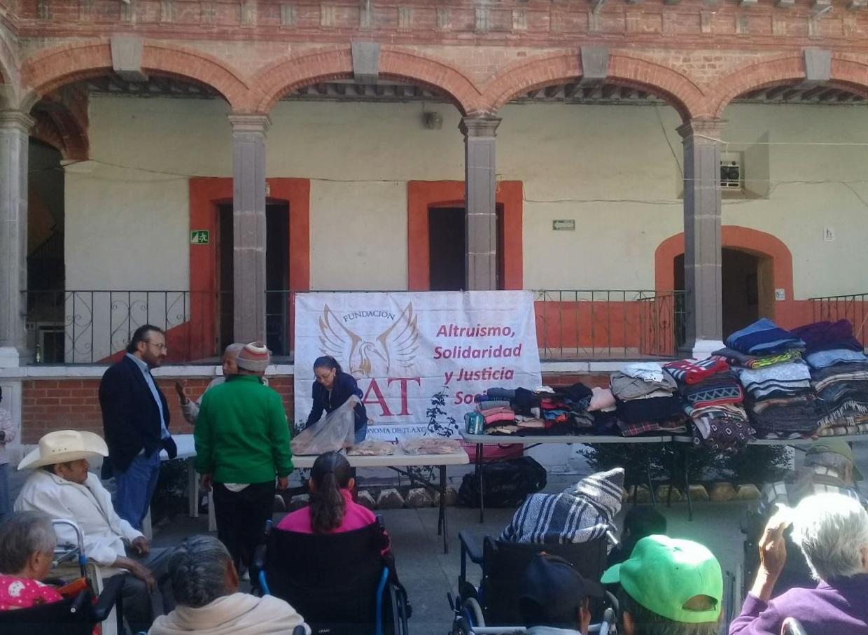 """Culmina con éxito el programa """"Protégelo del frío"""" de la Fundación UAT"""
