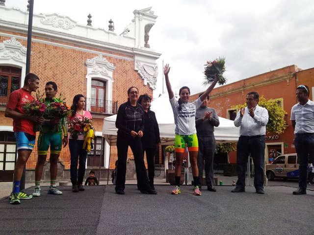 Premian a líderes generales de la vuelta ciclista Tlaxcala 2016