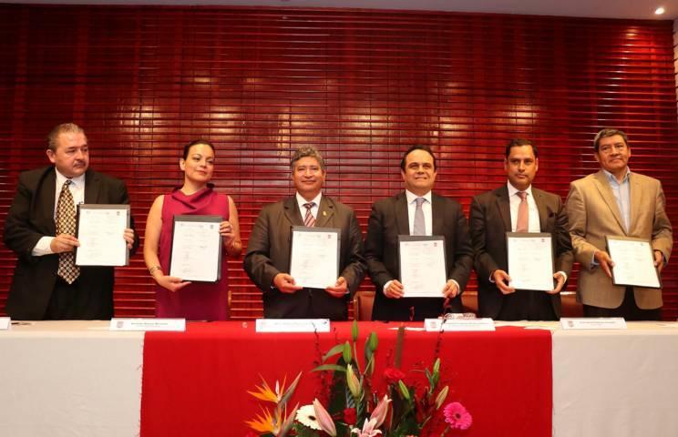 Acuerdan colaboración institucional la UAT y el IAIP