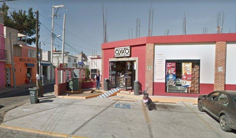 Atracan Oxxo en Huamantla; ladrón huyó sin problemas