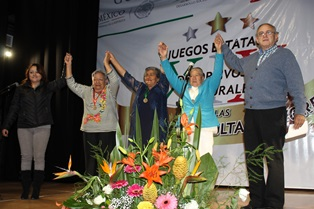 Concursantes de Santa Cruz Tlaxcala consiguen medallas
