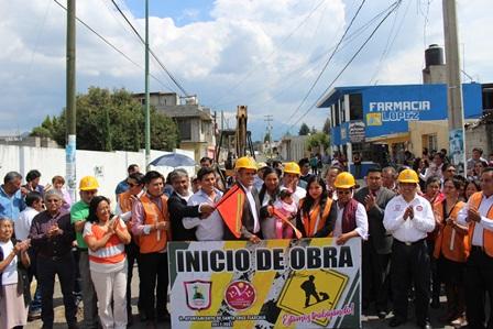 Sanabria Chávez inicia obras viales en Santa Cruz Tlaxcala