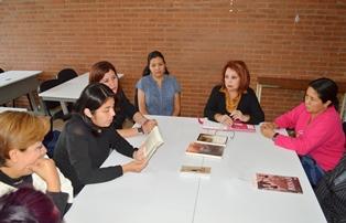 Fomenta la lectura la Unidad de Atención Integral a la Mujer de la UAT