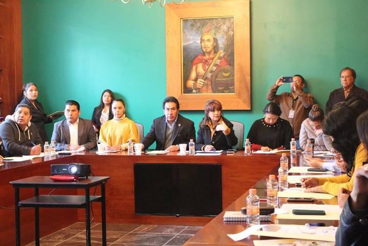 Se reúne Lorena Cuéllar con diputados locales