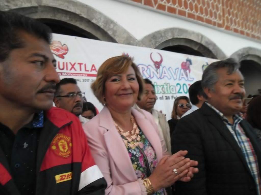 Alcalde de Ixtacuixtla encabeza desfile de Carnaval