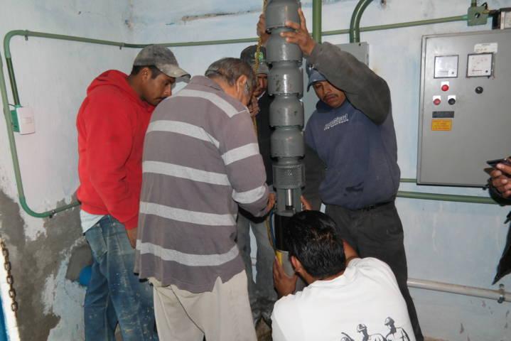 Alcalde mejora la calidad y suministro con la rehabilitación del pozo de agua