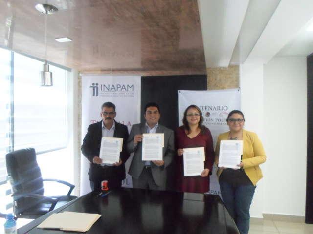 Calpulalpan firma convenio para expedir credenciales del Inapam en el municipio