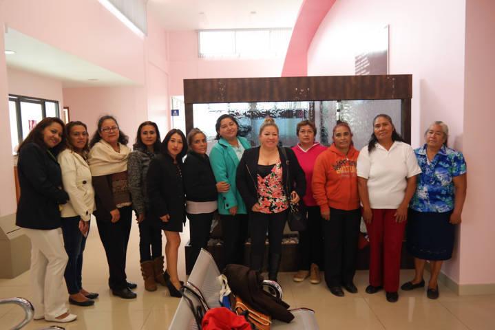 DIF Municipal apoya a mujeres para realizarse estudios en la UNEME