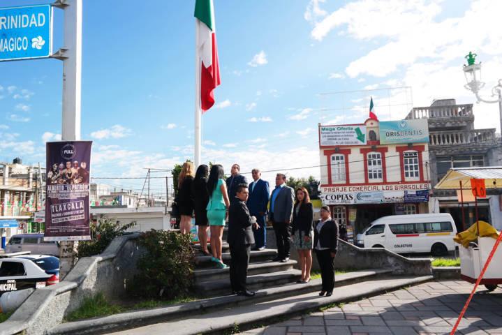 Alcalde encabeza ceremonia en honor a los Niños Héroes de Chapultepec
