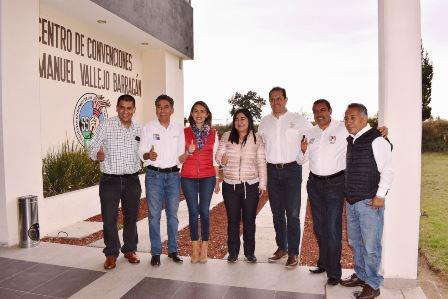 A rescatar espacios públicos se compromete Sandra Corona
