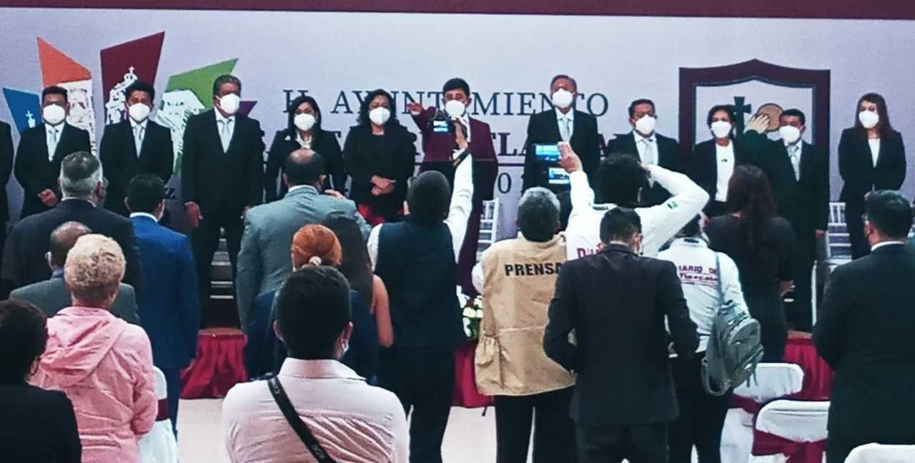 Rinde protesta David Martínez como alcalde de Santa Cruz Tlaxcala